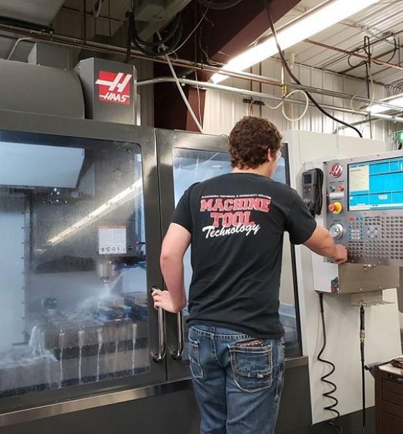 machining, machining internship, manufacturing internship, internship, paid internship, Minnesota, MN, SciTech, SciTechsperience